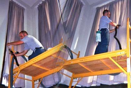 كيف تقومين بتنظيف ستائر نوافذ المنزل بكل سهولة؟ - curtains windows cleaning