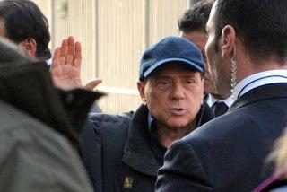 Berlusconi stupida