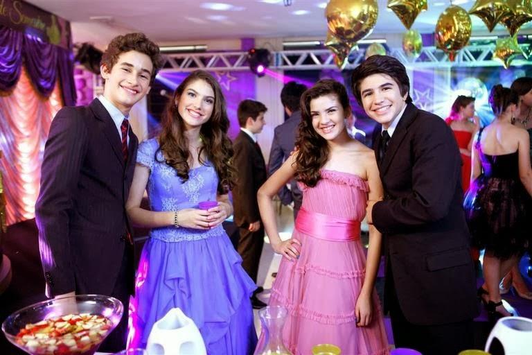 Novela Chiquititas 2014 SBT Duda e Mili, Vivi e Matias no Baile da Escola