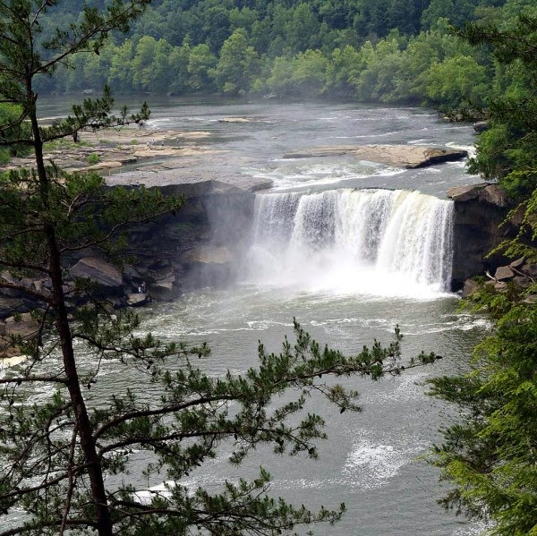 Cumberland Falls, Kentucky, USA