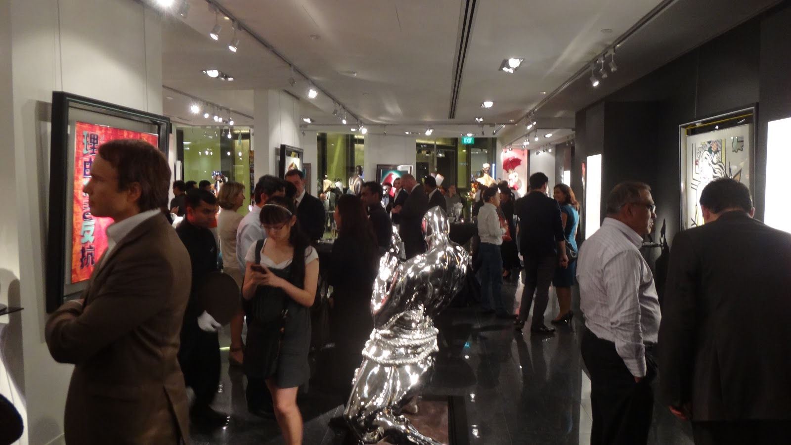 Bartoux-Gallery Singapore - ION groud floor