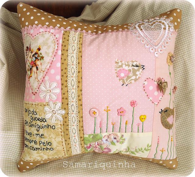 almofada patchwork -  Samariquinha