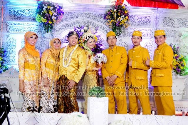 Wedding : Septi & Fandi www.septifandi.ga | Fotografer : Klikmg (3) Wisnu Darmawan | Tata Rias : tunjungbiru.co.id