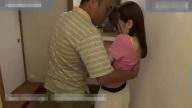 พ่อผัวเฒ่าแอบเอาลูกสะใภ้วัย18 อ้างผู้หญิงสมยอมไม่ได้ขืนใจ jav หื่นๆ