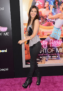 Victoria Justice hot on the pink carpet