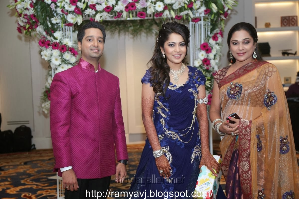 anchor ramya ramya vijay tv anchor ramya anchor wedding reception