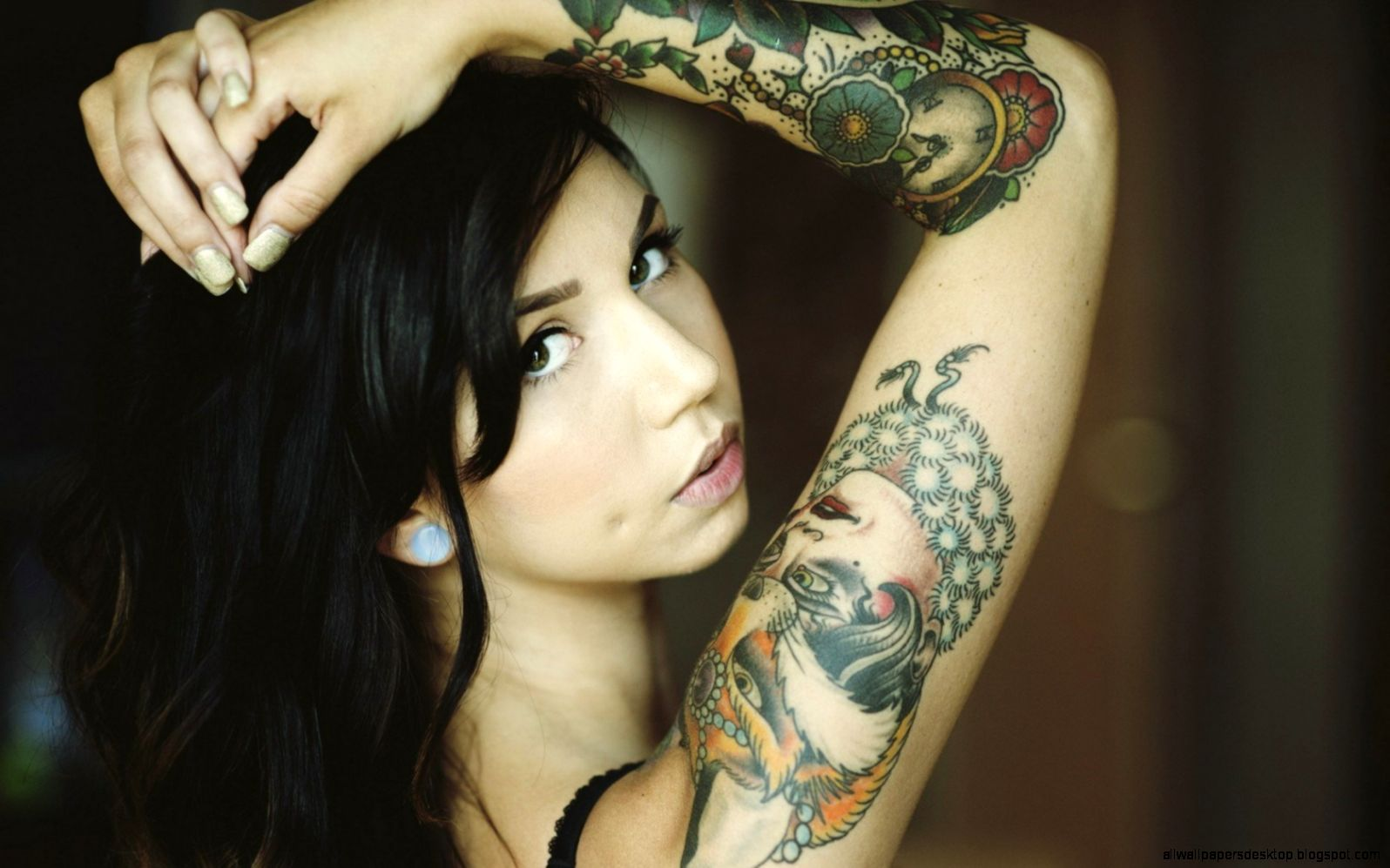 Brunette Girl Tattoos Gloves Photo wallpaper  1680x1050  18990