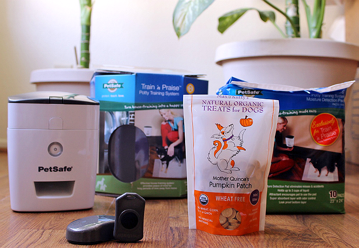PetSafe's Train N' Praise system helps potty train your dog with positive reinforcement in the form of treats. The unique moisture sense potty pads reward your pet instantly, even when you are not there to do so! The reward system even comes with a remote so you can use the sytem to reward positive behaviours long after potty training! #sp