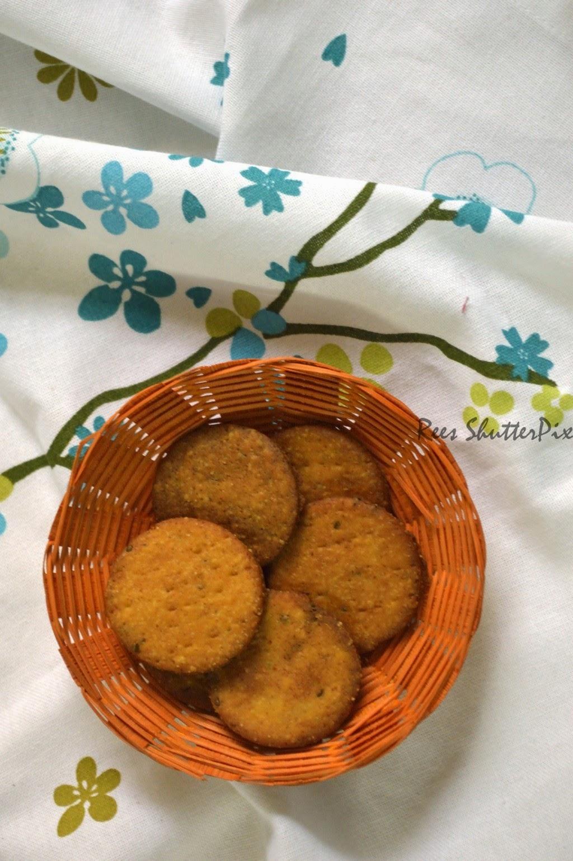 papdi chat, how to make crispy papdi chaat, easy steps for crispy papdi recipe, papri,