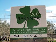 Cartell a l'entrada de la finca d'Eco Rebanyà