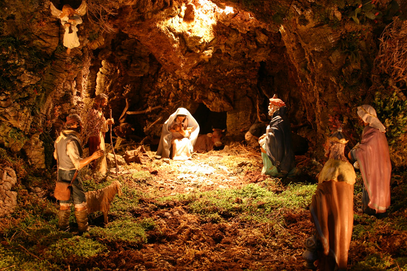 Sicilian Connections: Caltagirone Nativity Scenes and Sicilian ...