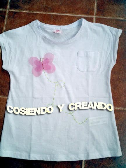Camiseta con mariposa de tul cosiendocreando.blogspot.com