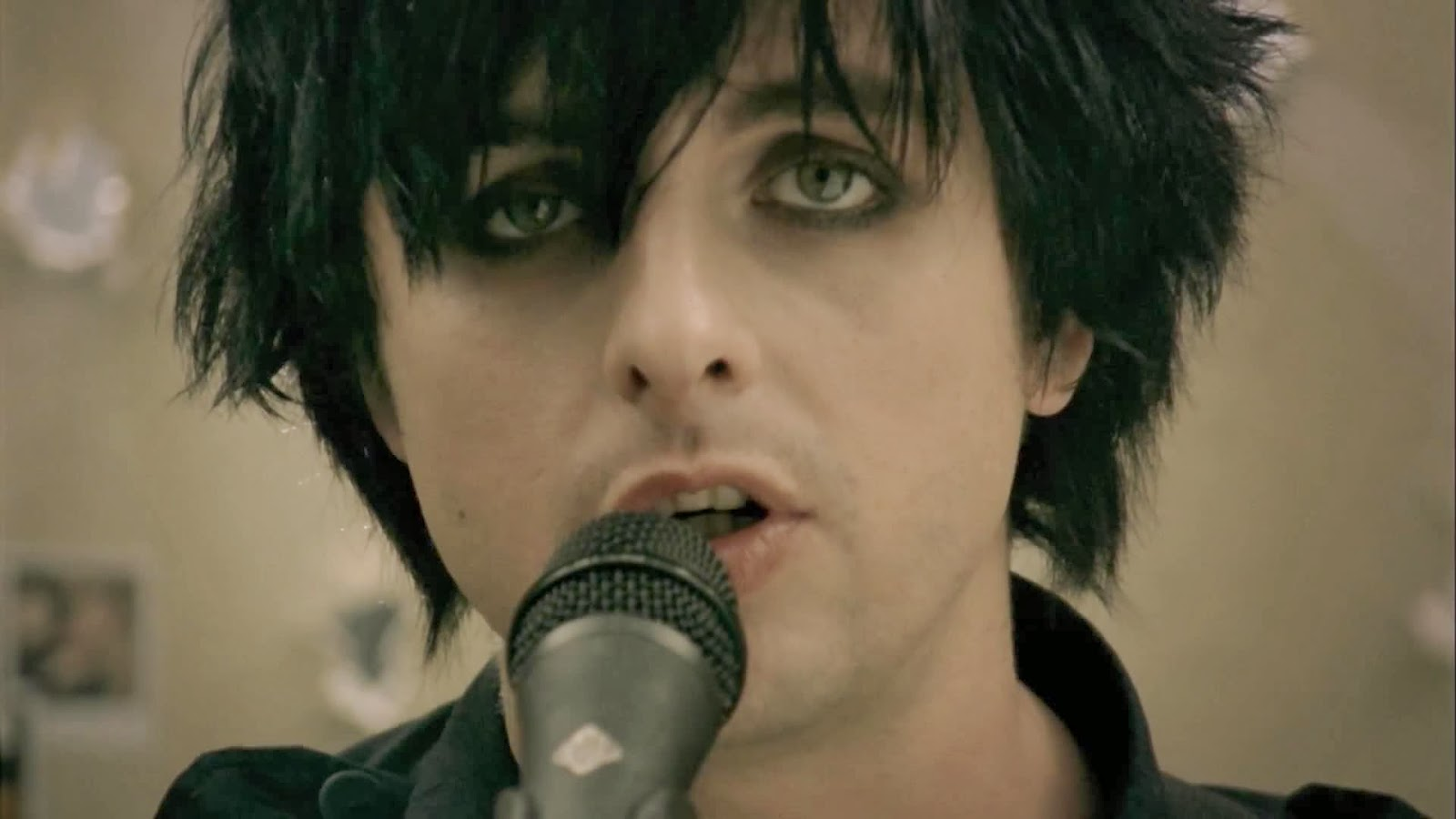 Green Day - 21 Guns [Official Music Video] - Wallpapers ...