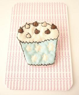 nearlybutnotquite choc drop cupcake brooch