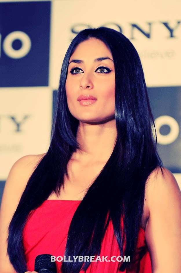 Kareena kapoor latest HD Pic - Black long hair - Kareena kapoor Hot HD Pics - Latest in Red Dress at Vaio Launch Event