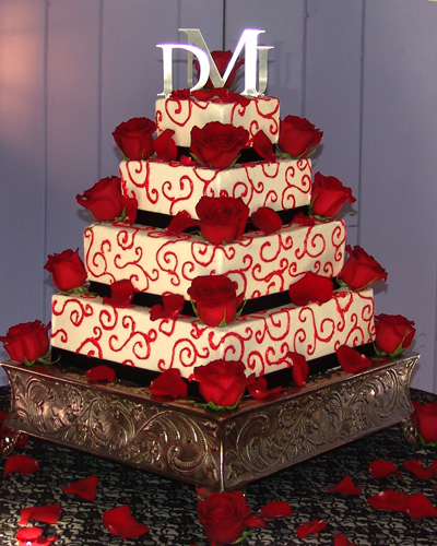 Wedding Cake Inspiration Ideas: Celebrity Gossip: Red And White Wedding Cakes