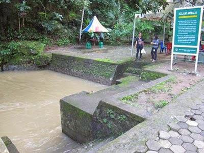 6 Tempat Wisata Di Indonesia yang Dipercaya Bikin Enteng Jodoh