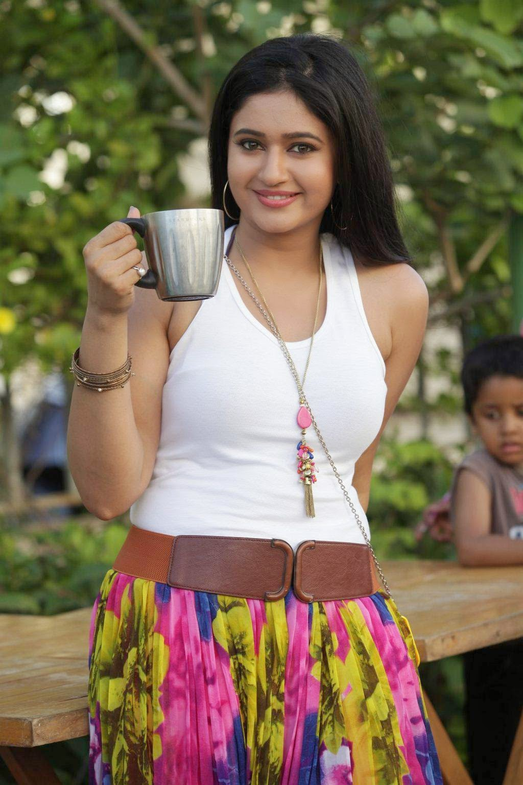 Poonam Bajwa Stills From Romeo Juliet Movie