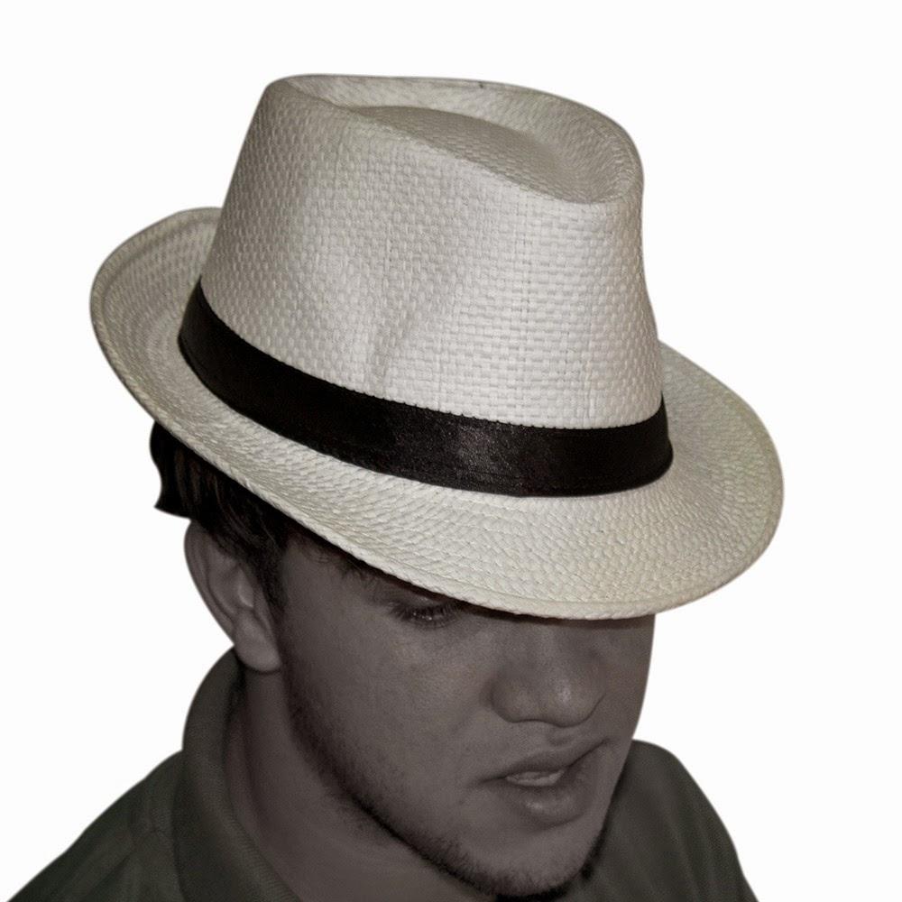 a5d0921fb2589 Fala sério... Essa moda agora de chapeuzinho de malandro é imbecil para  caralho! Hoje tá cheio de gente assim
