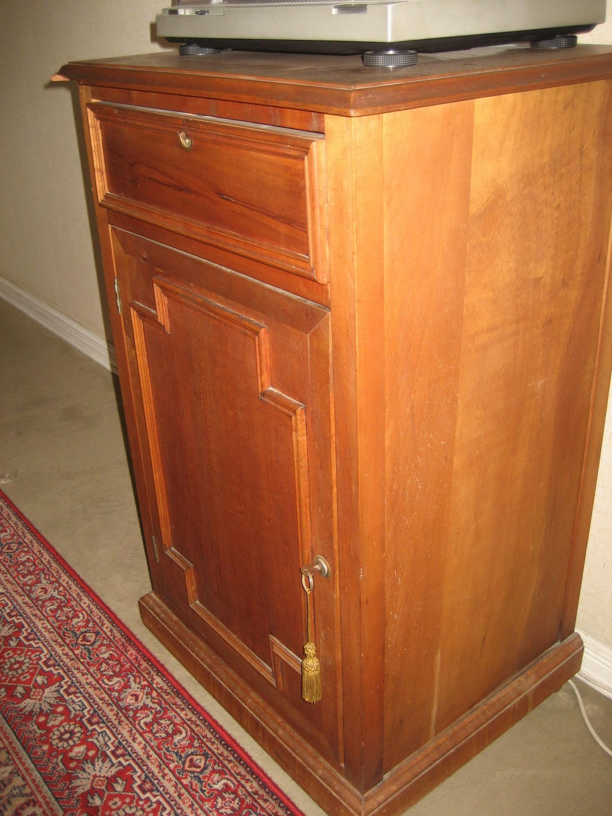 Articulos a la venta por poca plata mueble para guardar - Muebles para equipos de musica ...