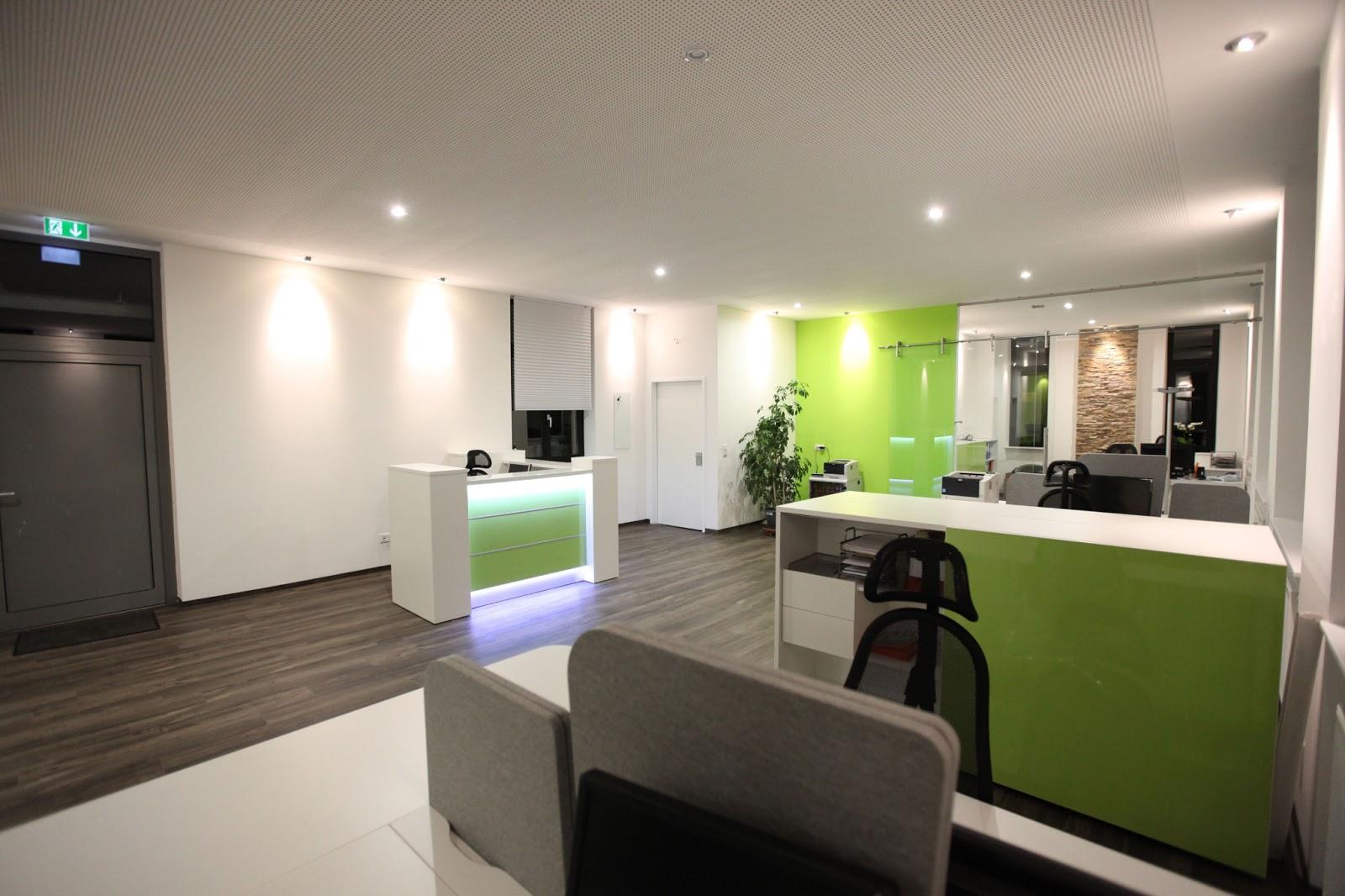 Colour up your office !: Moderne Rezeptionen Tresen Büro ...