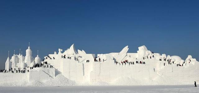 دورة ال28 لمعرض أعمال النحت على الثلوج بجزيرة الشمس