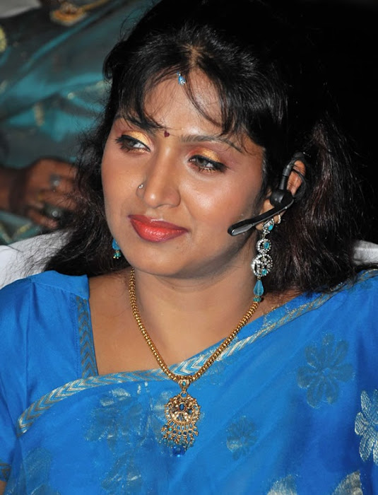 puvaneswari in saree