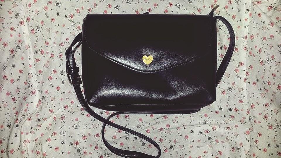 Maličká a šikovná kabelka :)