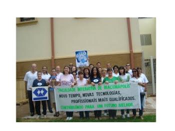 Vestindo a camisa - Acadêmicos de ADM, Logística e Pedagogia participam do Desfile da Cidade