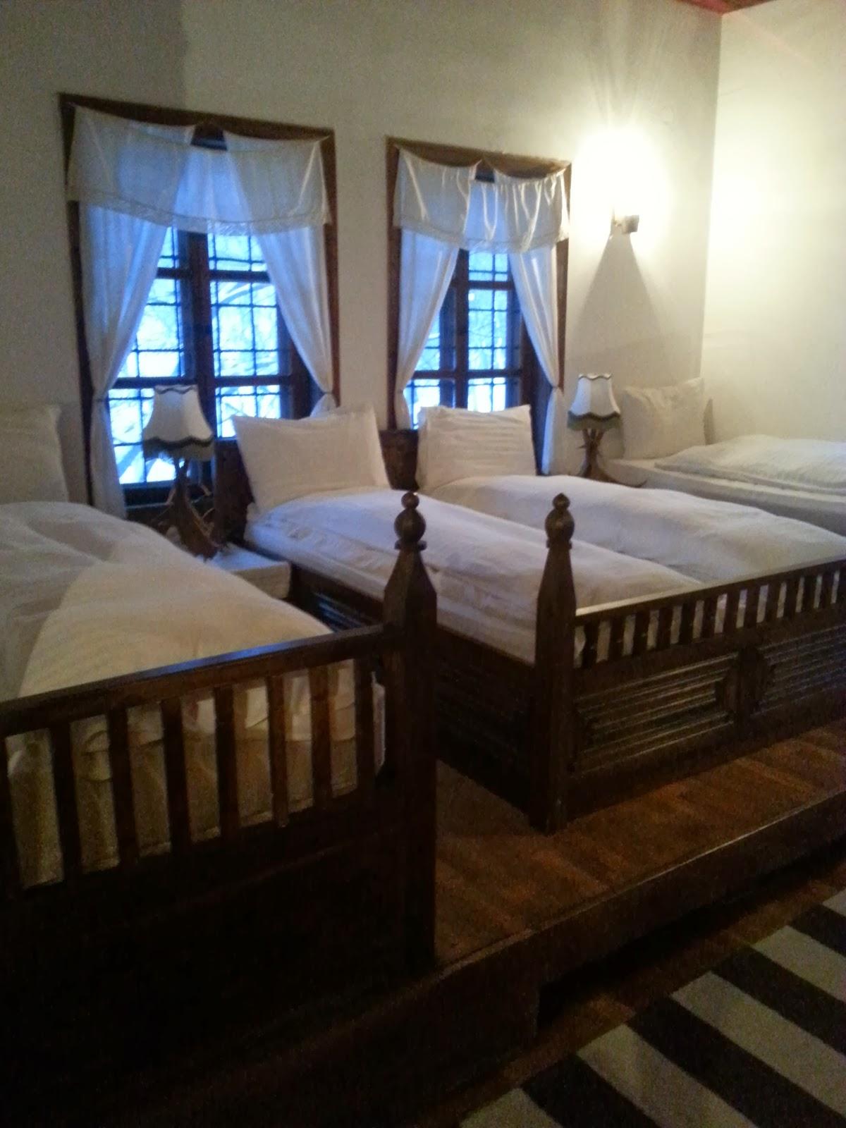 Arbanashki han bedroom