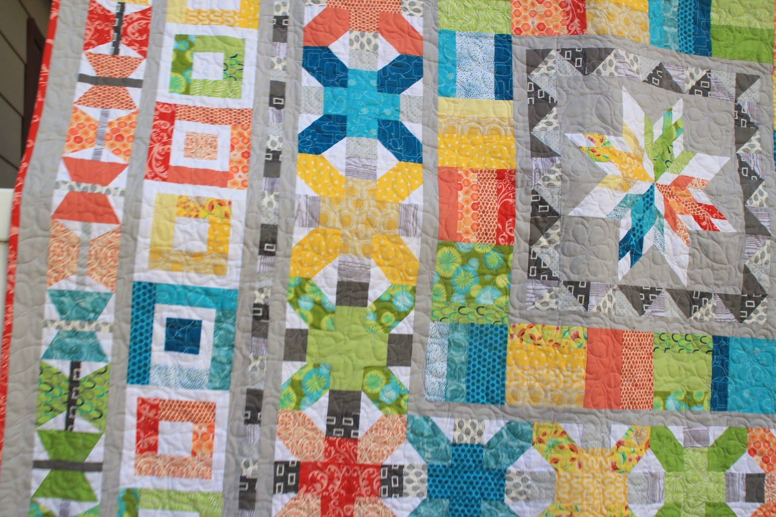 borders on the Aviatrix medallion quilt