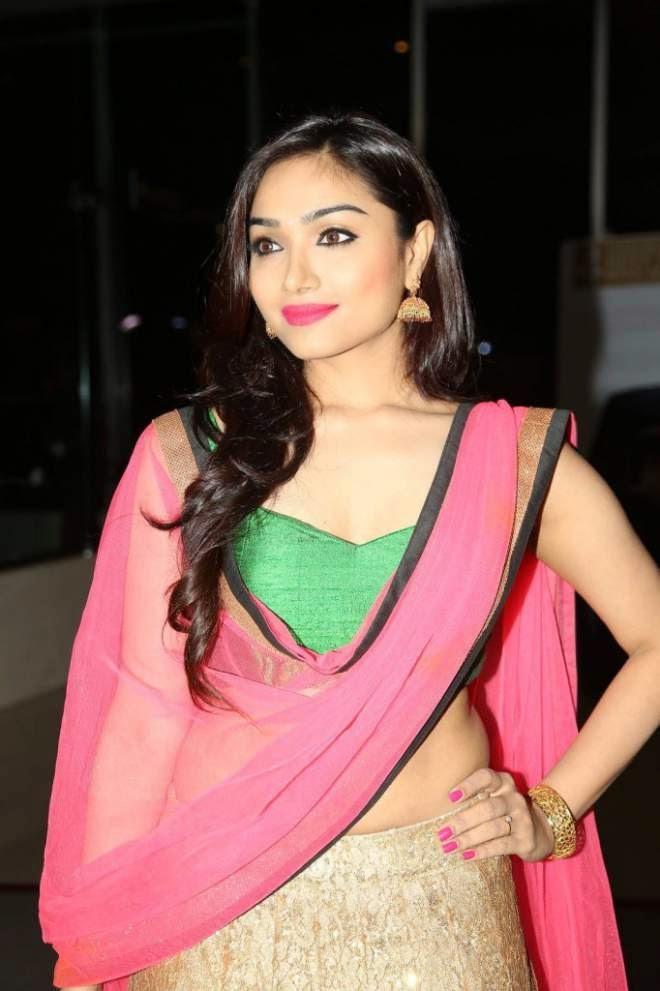 Aishwarya Devan Navel Show Photos