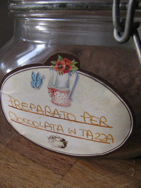 cioccolata calda in tazza fatta in casa