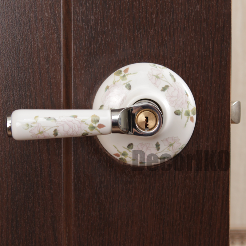 http://decoriko.ru/magazin/folder/doorknob
