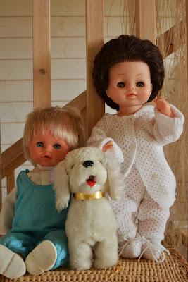 80-luvun puhuva nukke, poikanukke ja lelukoira - Muonamiehen mökki