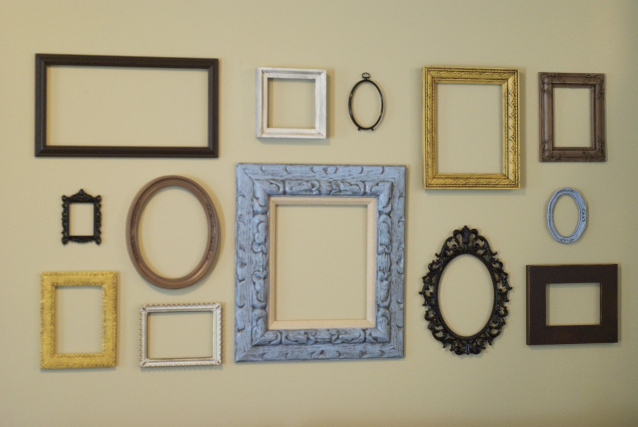 Empty Frames For Wall Decor : Be inspired empty picture frame wall art