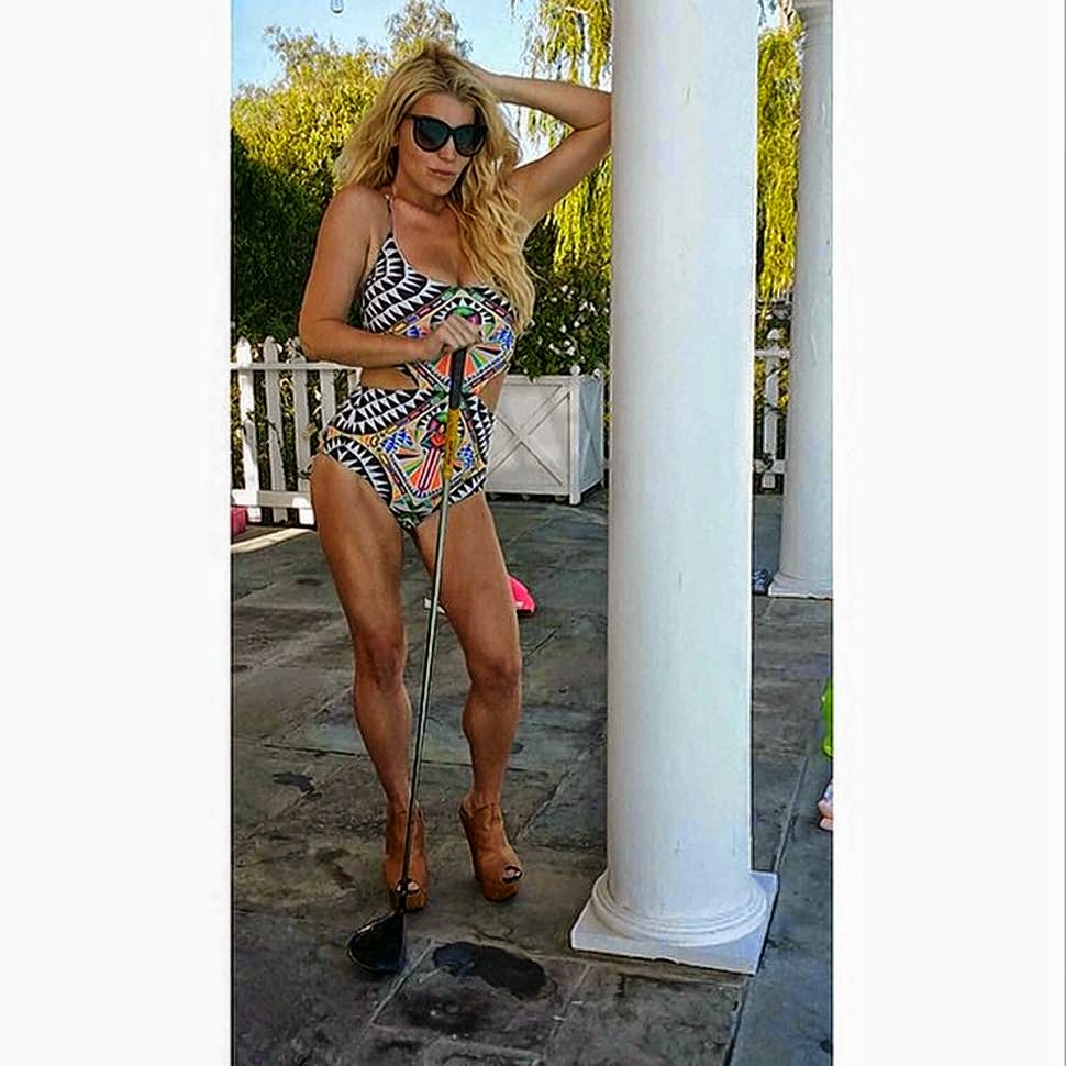 Jessica Simpson proved that she can look better in just for months as she shared her incredible physique in a geometric swimsuit into the Instagram account on Monday, May 26, 2014.