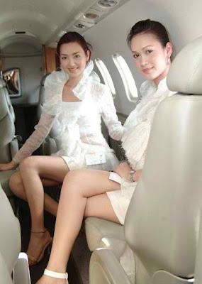 ML DENGAN PRAMUGARI CANTIK AIR ASIA