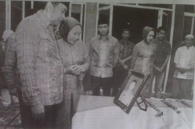 Ratu Atut Chosiyah dan Keluarga Besarnya di Banten 2011