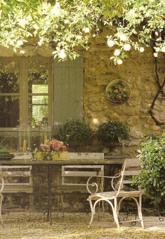 Celebrating the seasons summer bliss for French country courtyard