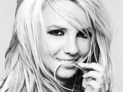 Britney Spears Desktop Wallpaper-1440x1280-06