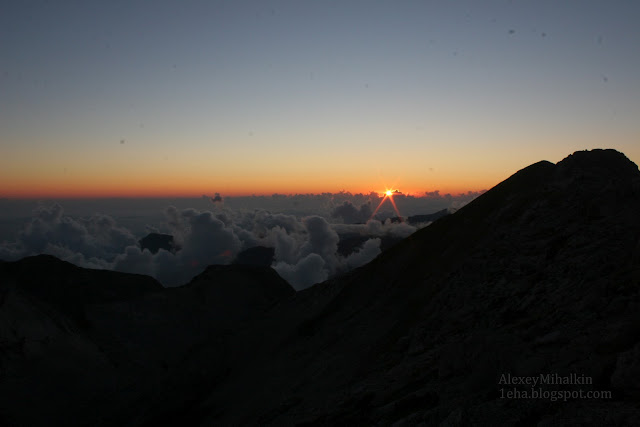 Закат на вершине горы