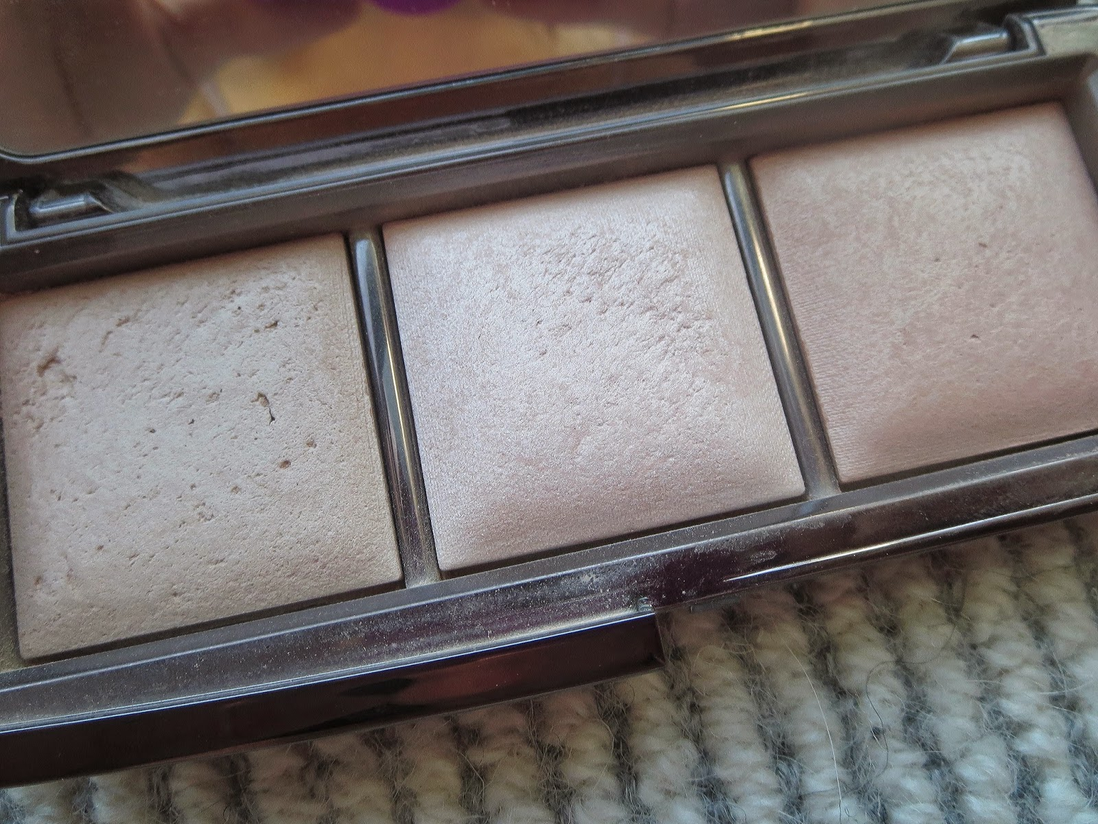 a picture of Hourglass Ambient Lighting Palette