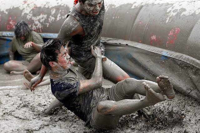 whatkpop.blogspot.com-mud_festival_korea