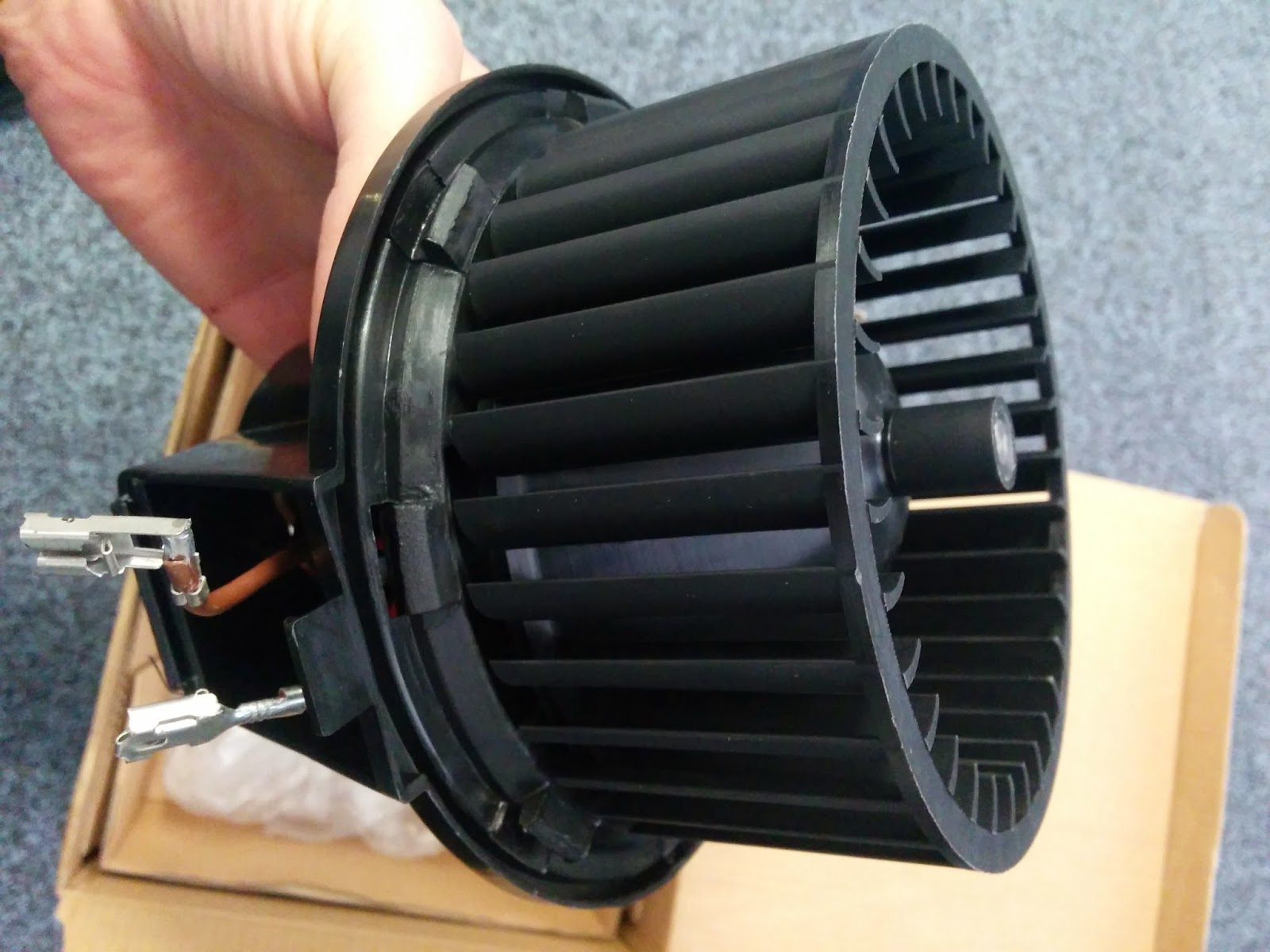 Replacing a squeaking Heater Fan Motor on VW Golf MK2
