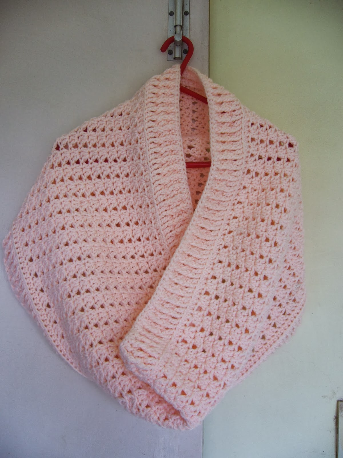 peach crochet cowl