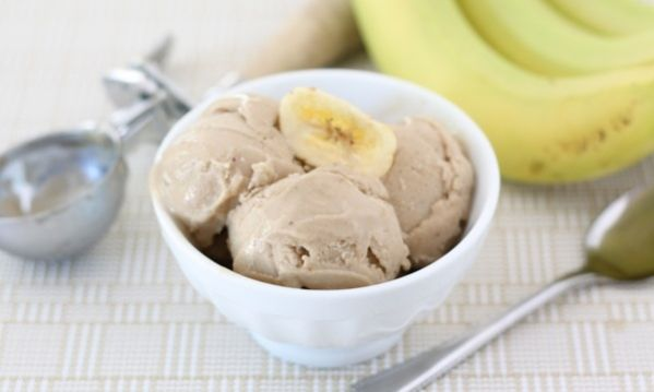 Ioanna's Notebook - 1 ingredient banana ice cream