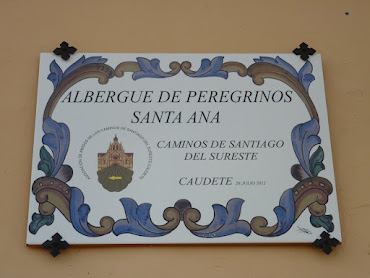 """AZULEJO  CONMEMORATIVO DE INAUGURACIÓN DEL ALBERGUE DE PEREGRINOS """"SANTA ANA"""" (28-7-2012)"""
