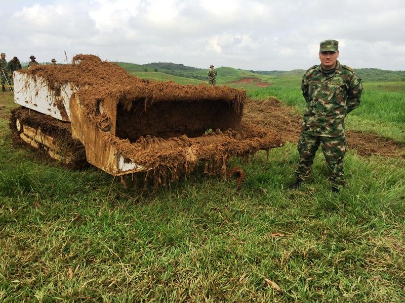 Barreminas DOK-ING MV4 del Ejército Nacional de Colombia