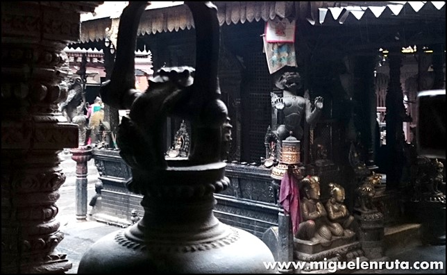 Golden-Temple-Patan-Nepal_12